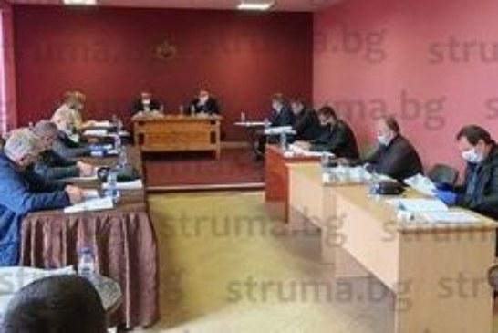 Съветниците в Сапарева баня отмениха наредбата за издаване на разрешителни за минерална вода, увеличиха с 860 лв. заплатата на шефа на ВиК