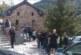 Шокирани от цени 12 лв. за порция пилешко бутче, туристите на Рилския манастир се редят на огромни опашки за мекици по 50 ст.