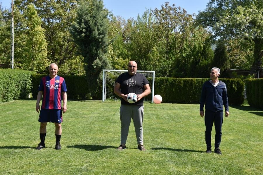 ПОЛИ НА 60! Кметът на Симитли отбеляза 10 гола на рождения си ден