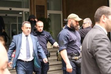 Отведоха зам.-министър на МОСВ на разпит заради вноса на боклук