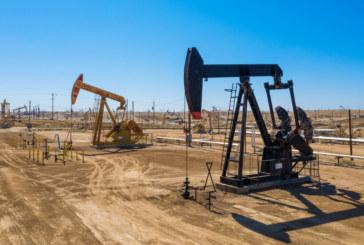 ОПЕК и Русия започнаха да съкращават добива на нефт