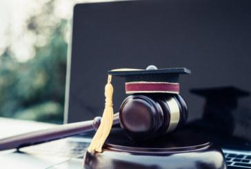 """Окончателно: С оценка от матурата може да се кандидатства """"Право"""""""