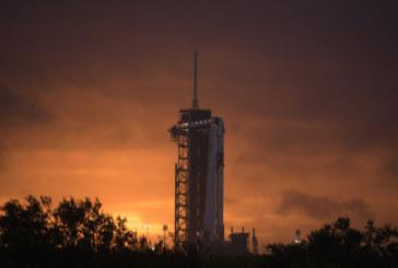 Корабът на SpaceX прелита над България