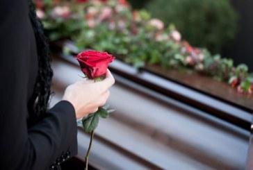 Мъж се появи жив след погребението си
