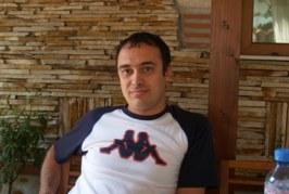 Мъж с перука и закривени крака застрелял Йордан Динов