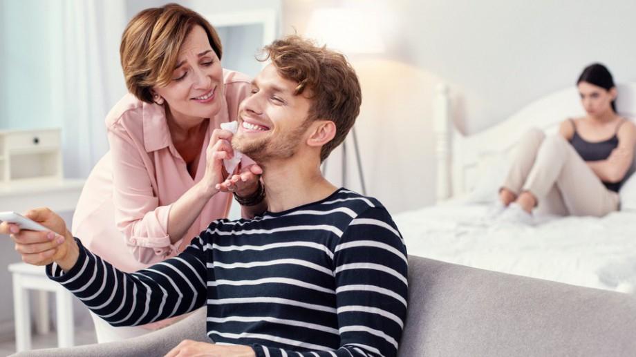 6 истини, които ще научиш от начина, по който той се държи с майка си