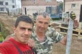 ДОБРО ДЕЛО! Бригада от Сапарева баня ремонтира безплатно оградата на храм в Бобов дол
