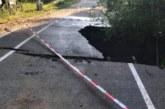 """Голяма дупка зейна на алеята за парк """"Бачиново"""""""