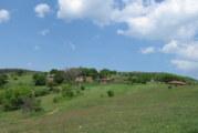 Благоевградски баничар влиза в овощарството с почти 100 дка общинска земя, животновъд от с. Падеш взе за 10 г. близо 29 дка ниви