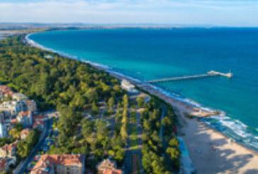 Българското Черноморие приема първите туристи за летния сезон