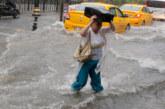 Смерч и наводнения удариха Истанбул