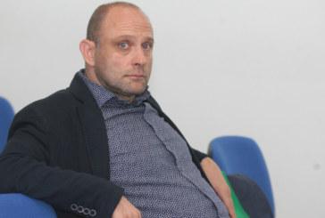 Хванаха Тити Папазов в грубо нарушение на пътя