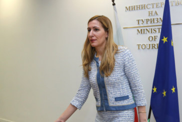 Ангелкова: Очакваме повече туристи и по морето, и във вътрешността на страната