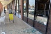 Протестиращи вандали разбиха Bistro на благоевградчанин във Лас Вегас /снимки/