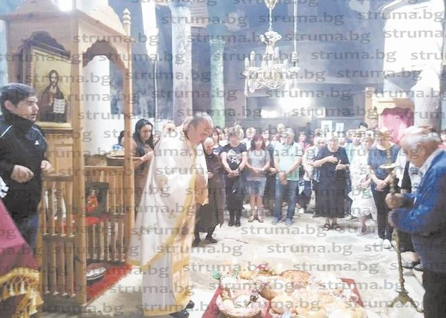 Отложеният заради Covid-19 курбан в Златолист събра в храма на Преподобна Стойна над  500 миряни