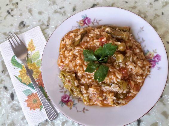 Ориз с домати и бамя