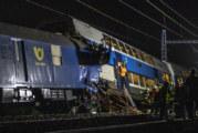 Два влака се сблъскаха близо до Прага, има много ранени