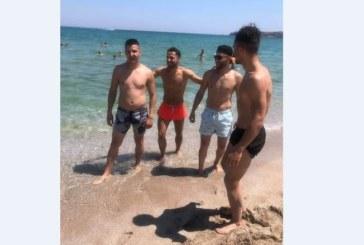 Благоевградските близнаци Цоневи отмарят на морето, докато ги чакат на Герена
