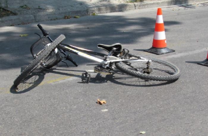 Кола блъсна 10-г. дете, транспортираха го спешно в благоевградската болница