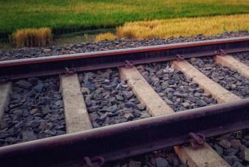 Пътнически влак дерайлира в Шотландия