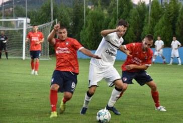 """Симитличани и """"Марек"""" си размениха 6 гола до почивката, Б. Хазуров реши спора в последните секунди"""