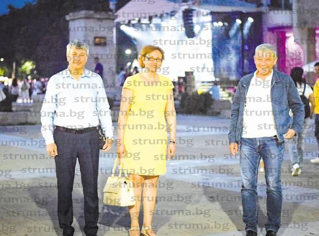 """Благоевградчани звънят в """"Струма"""" с въпроси за Джаз феста, кметът Р. Томов отговаря"""