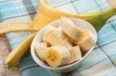 Бърза маска с банан съживява косата