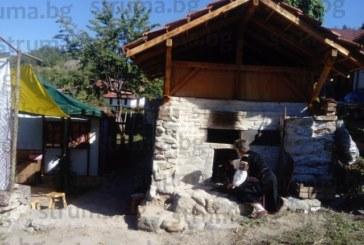За Голяма Богородица в кюстендилското село Раждавица вадят хляб от 100-годишна фурна