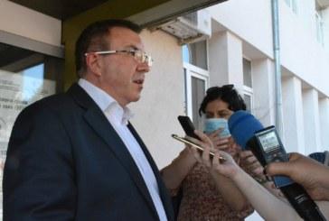 """Здравният министър: Не сме най-зле, въпреки че влязохме в """"червения списък"""""""