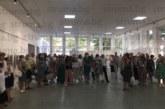 """Първа по рода си изложба """"Атанас Дафинов и ученици"""" напълни с публика благоевградската галерия, номинираха го за почетен гражданин"""