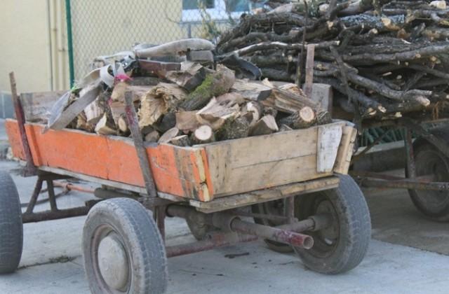Задигнаха каруца с дърва от склад в Благоевград
