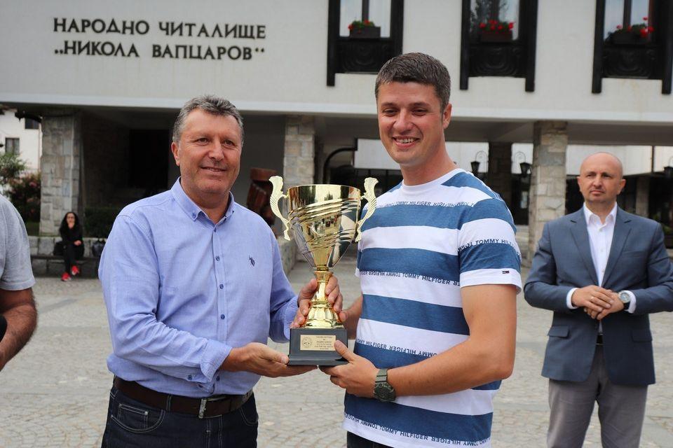 Ив. Паунов от Дупница грабна голямата награда на кмета на Банско за крайслера си от 1926 г.
