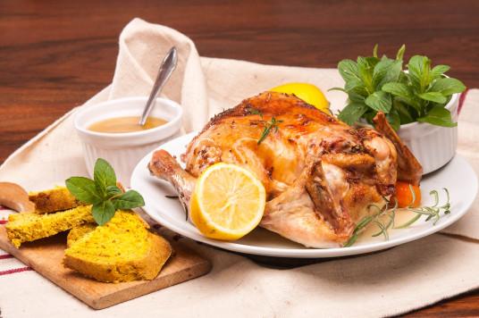 Печено пиле с лимон и розмарин