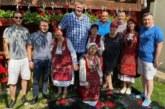 Баба Дешка нагости богато Любо Ганев и членовете на БФВ в Горно Драглище