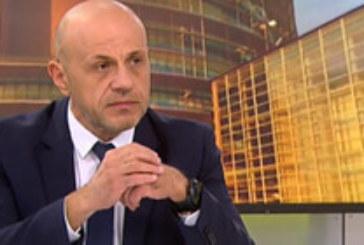 Дончев: Не разбрах как член на кабинета лиши Радев от вечеря в Естония