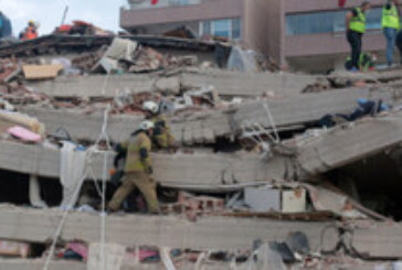 Голяма трагедия в Гърция и Турция! 27 души са загинали при опустошителното земетресение, над 800 са ранените