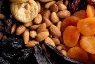 Сушени фурми и бадеми на гладно за по-добър имунитет