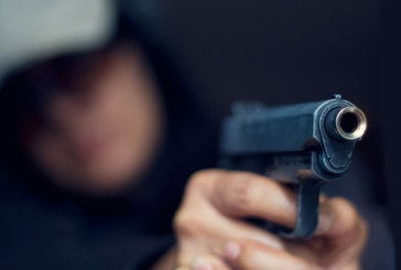 Заплашиха с пистолет бременна в тролей във Враца