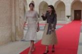 Ето ги цените на роклите на Десислава Радева