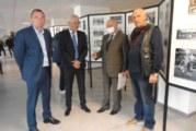 Известният фотограф от Пастра Бончук Андонов и синът му Костадин наредиха изложба с фотоси на спортните успехи на дупнишките клубове