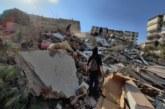 Земетресението събори сгради в Турция, започнаха спасителни операции