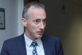 Министър Вълчев: Не предвиждаме цялостно преминаване електронна среда
