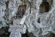 С 20 км преход до пещерата в Гърбино кюстендилски туристи почетоха паметта на Свети Иван Рилски