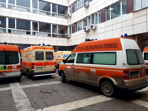 Две благоевградчанки опитаха да се самоубият, медици се борят за живота им