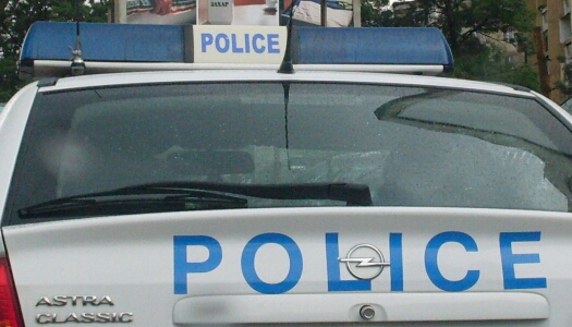 Кюстендилските полицаи задържаха 34-г. мъж, източил 80 литра гориво от товарни автомобили