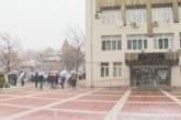 """Отварят фоайето на зала """"Яворов"""" в Благоевград за чакащите за направление за PCR тестове пред РЗИ"""