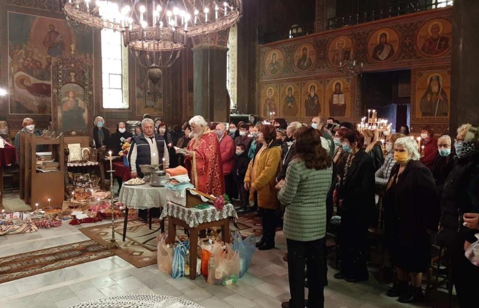 В Крупник почетоха Свети Архангел Михаил без традиционния курбан