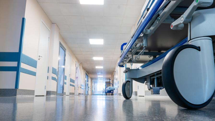 Проверяват две болници заради смъртта на млади жени с COVID-19