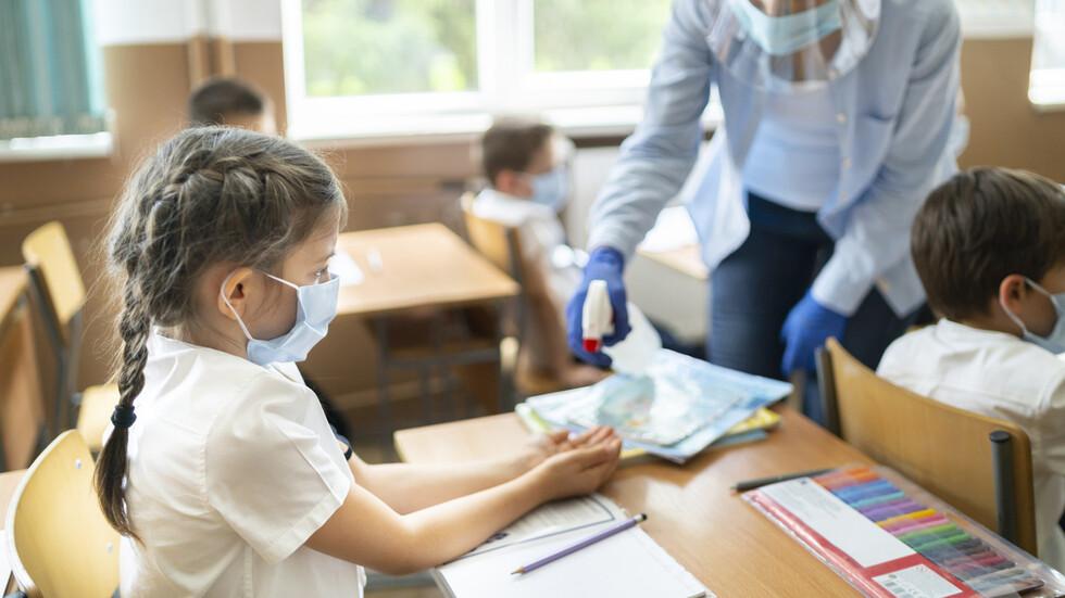 Борисов: Застояването вкъщи крие рискове - където няма зарази, децата да учат