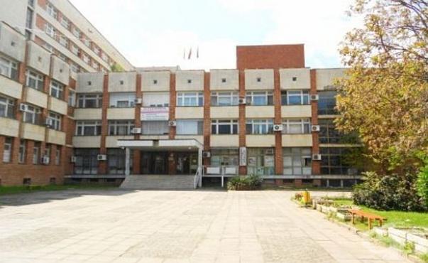 Медицински сестри от детските заведения в Сандански влязоха като доброволци в Ковид отделенията на болницата и Спешен център